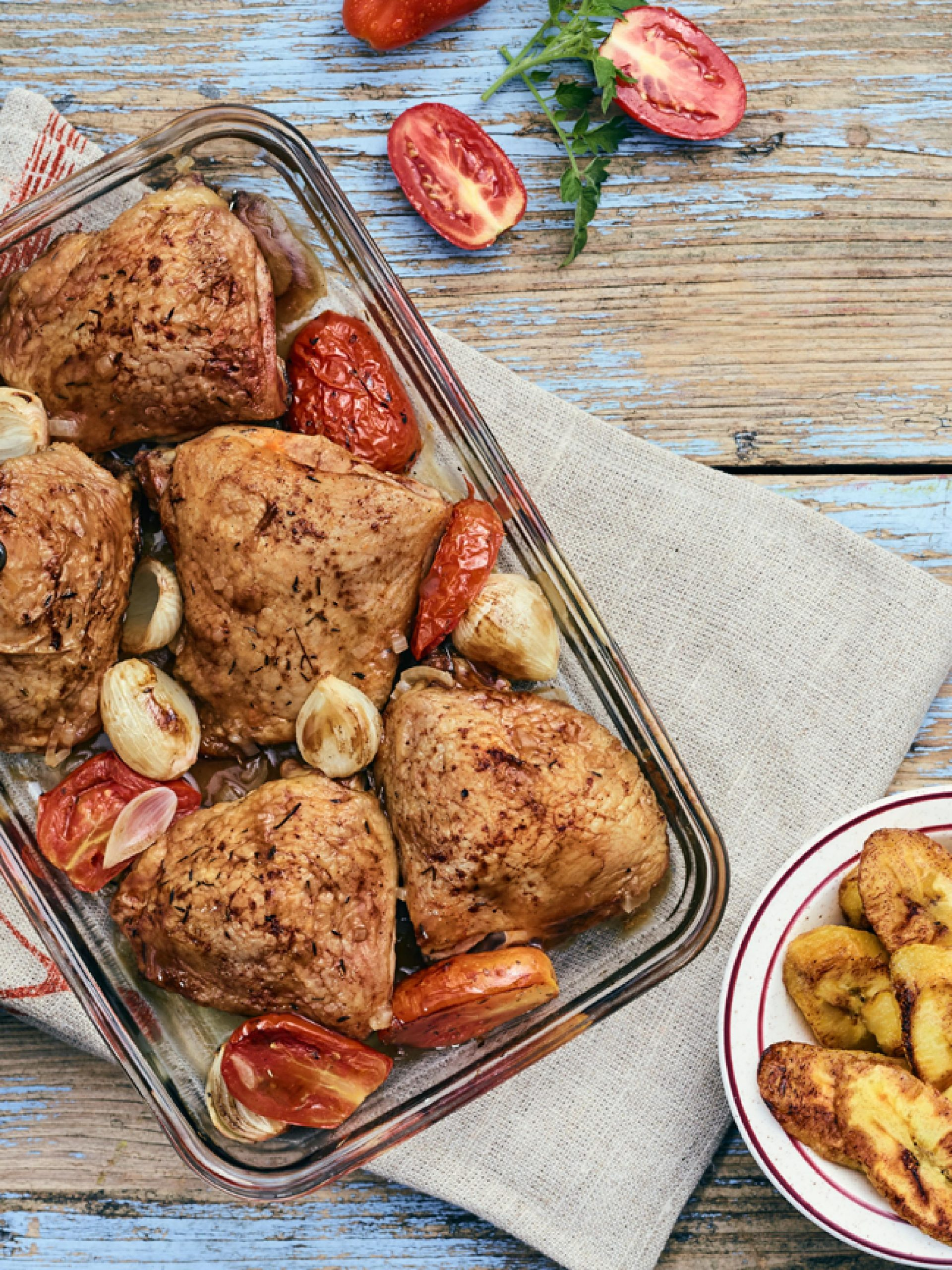 Baked Tarragon Chicken with Tomatoes and Onions